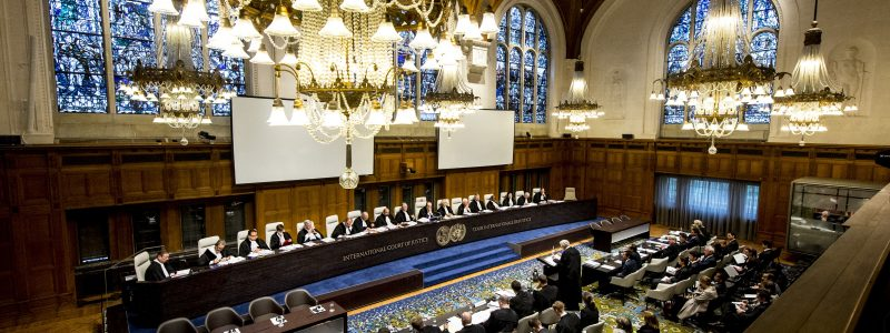 Opening of the public hearings (request for provisional measures by Timor-Leste) at the ICJ in the case Timor-Leste v Australia. These hearings took place from 20-22 January 2014, in the Great Hall of Justice at the Peace Palace in The Hague, under the presidency of Judge Peter Tomka. The Court's role is to settle, in accordance with international law, legal disputes submitted to it by States (its Judgments are final and binding) and to give advisory opinions on legal questions referred to it by authorized UN organs and agencies. Its official languages are English and French. ICJ news and archives can be accessed via www.icj-cij.org  Ouverture des audiences publiques (demande en indication de mesures conservatoires déposée par le Timor-Leste) à la CIJ en l'affaire Timor-Leste c. Australie. Ces audiences se sont déroulées du 20 au 22 janvier 2014 dans la grande salle de justice du Palais de la Paix, à La Haye, sous la présidence de M. Peter Tomka. Pour en savoir plus: www.icj-cij.org